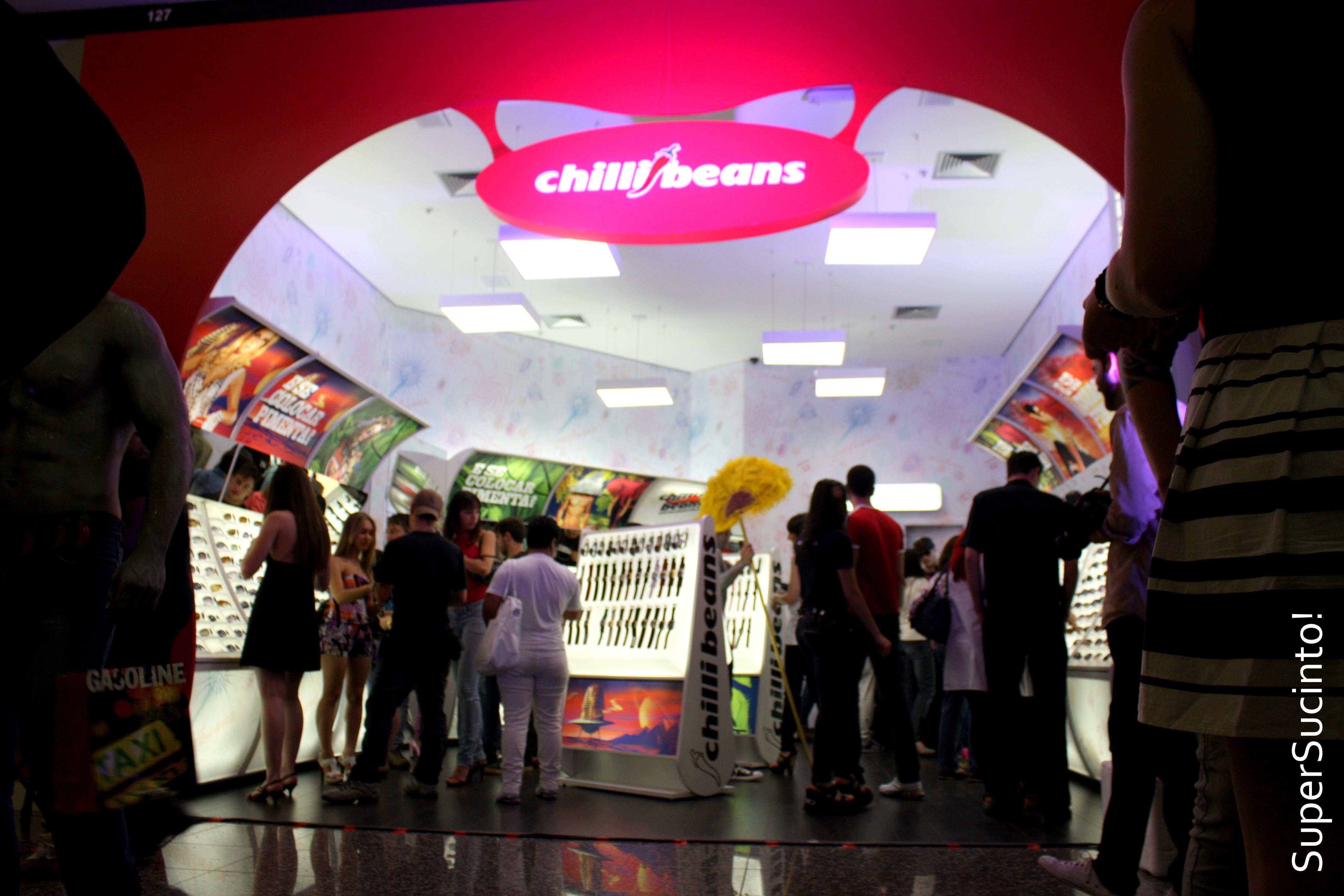 Desde o (tão comentado) papel de parede da loja até o som DJ Matt, de  Curita, a Chilli mostrou ... 95a4f75ee1